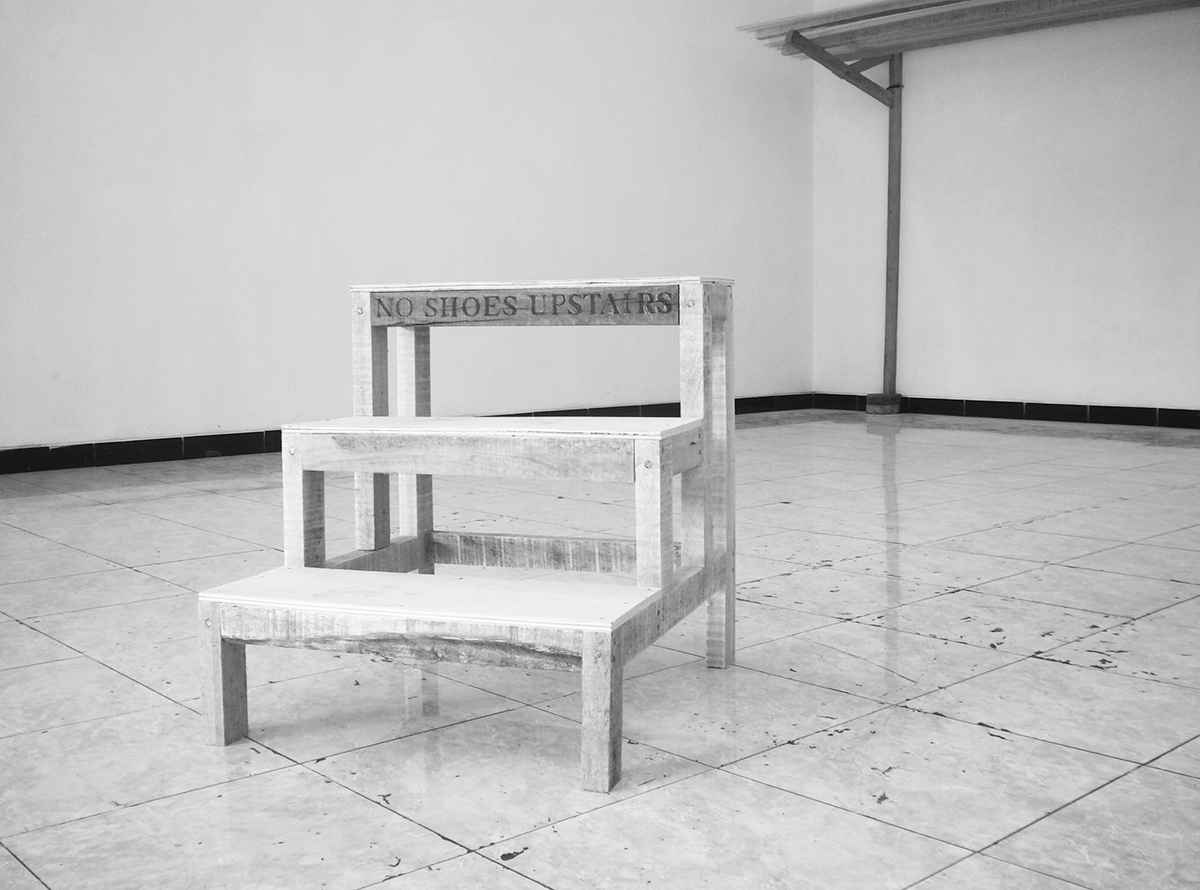 Fabian Fink - no shoes upstairs (2012), Ausstellungsansicht, Sewonartspace